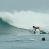 サーファーは台風が日本に向かって進んでくるのを歓迎しているわけでは決してない。
